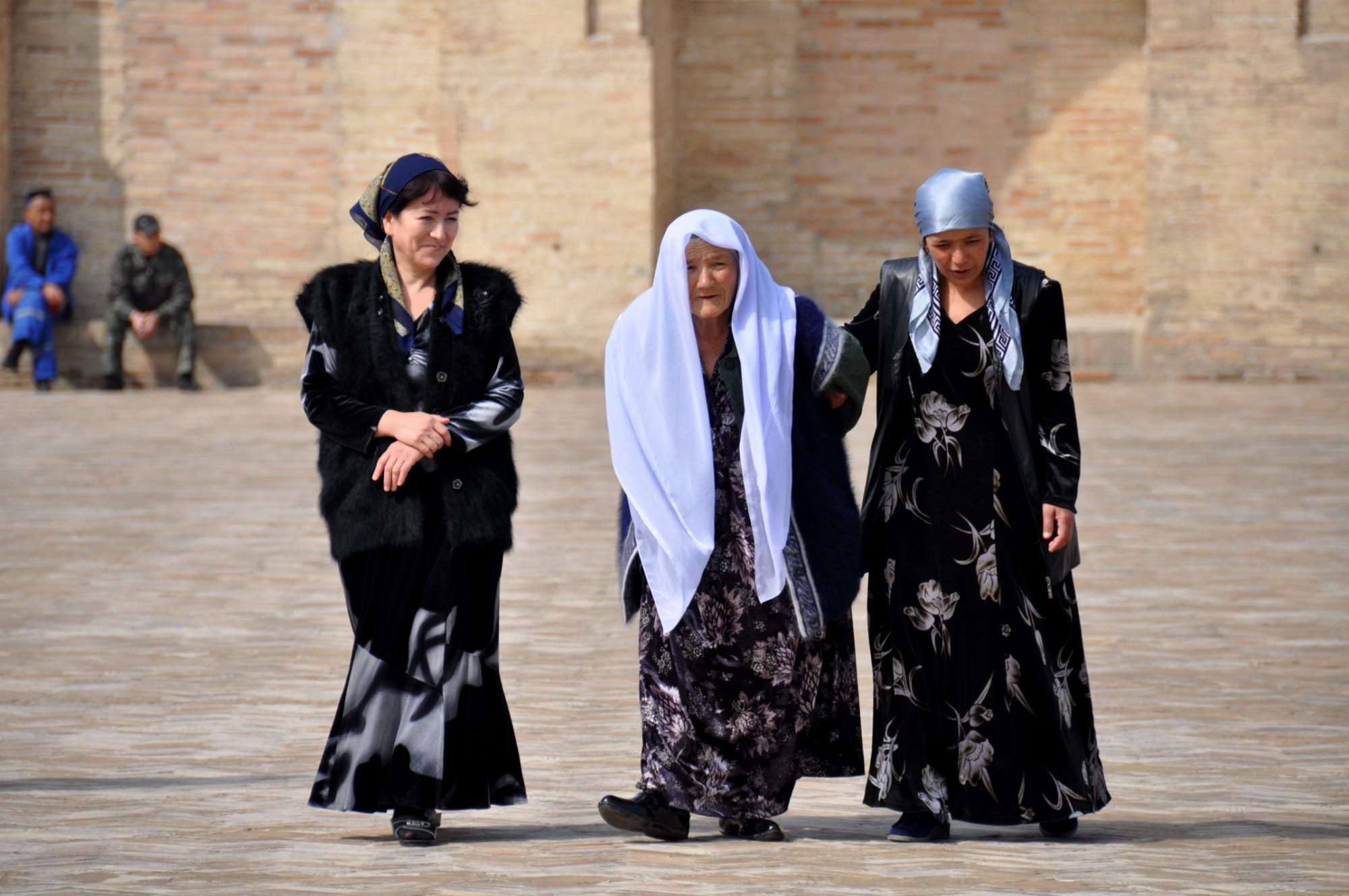 Women Uzbekistan Lg